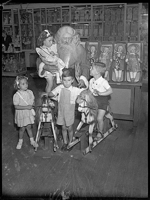 Santa Claus, Grace Bros, Broadway, Sydney, 27 November 1946 / by Sam Hood